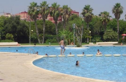 Instalaciones deportivas fundaci n deportiva municipal for Benicalap piscina