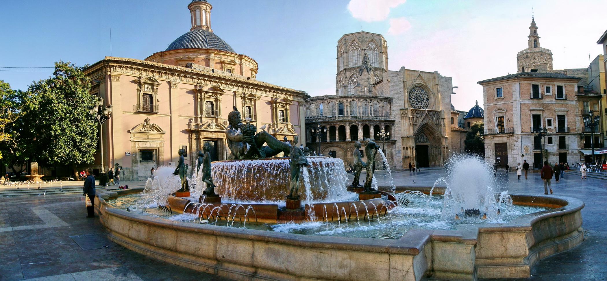 plaza de la virgen - Fundación Deportiva Municipal Valencia