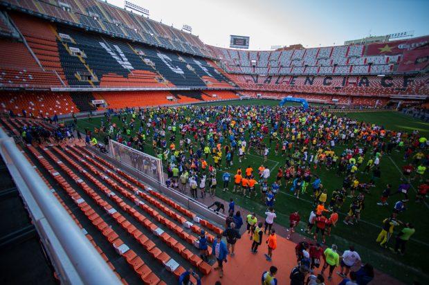 Mestalla será la meta en la I Volta a Peu de la Fundación Valencia CF