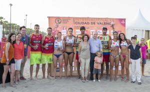 Maite Girau con el cuadro de ganadores del Madison