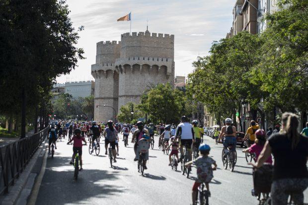 Aposta per les dos rodes en el XXI Dia de la Bicicleta