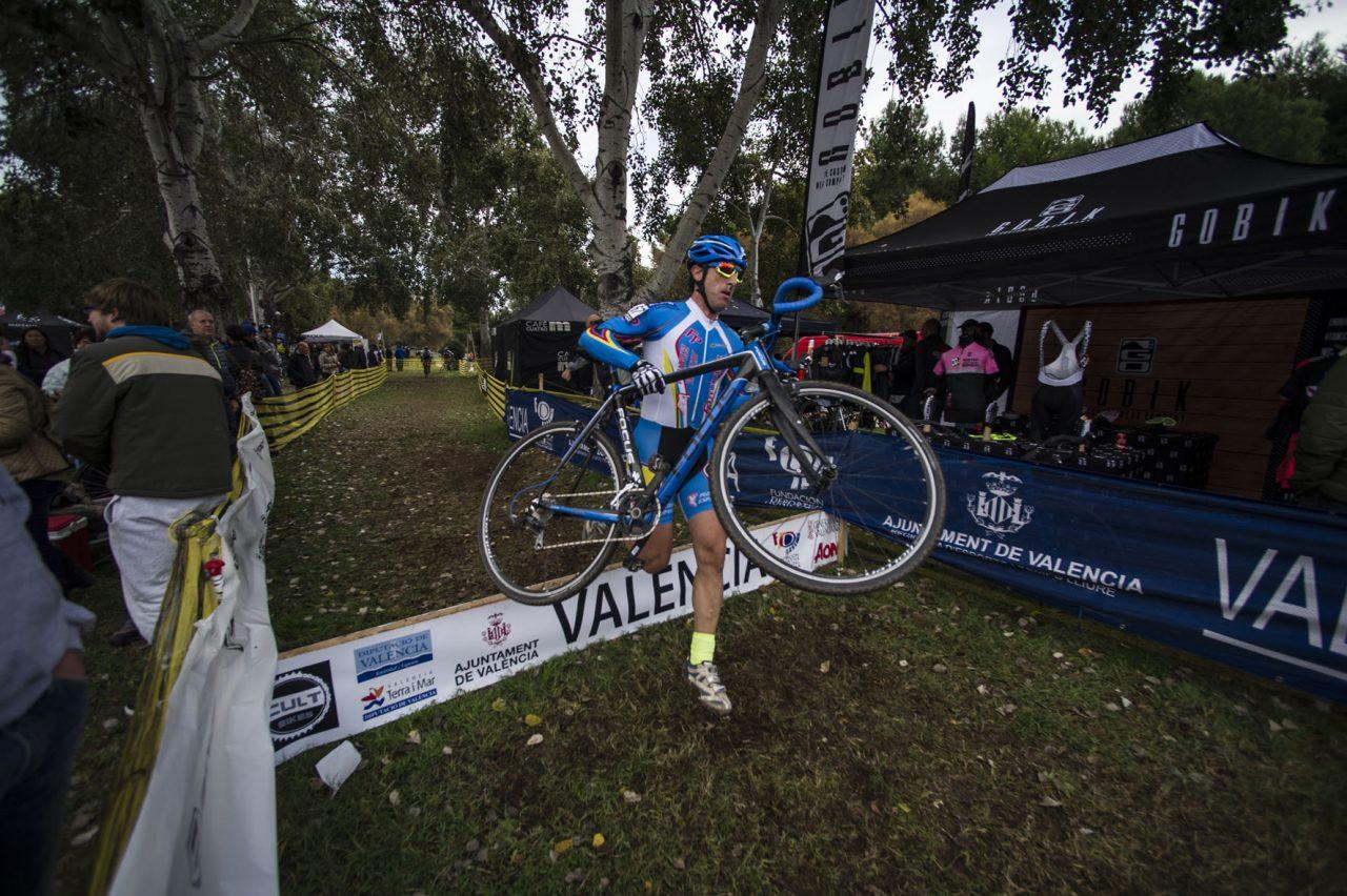 Valencia acoge el Campeonato de España de CicloCross con más de 900 participantes