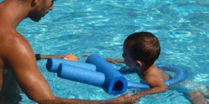 Obert el termini d'inscripció als cursos de natació de Benimaclet, Natzaret i El Carme