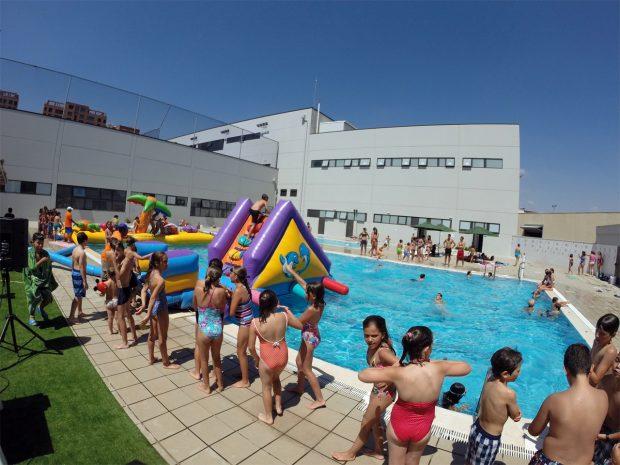 Calor t rate de cabeza a cualquiera de las siete for Piscina municipal de valencia