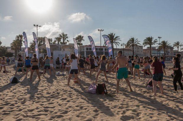 Activitats gratuïtes a la platja per a tots els públics