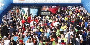 Més 6.000 corredors recorreran aquest diumenge el districte Marítim en la 15K València Oberta al Mar