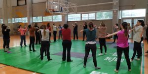 Èxit d'assistència en el taller de defensa personal per a dones del Pavelló Benicalap