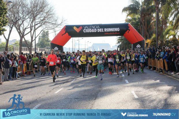 Cerca de 6.000 corredores cruzaron la meta en la 5K Never Stop Running