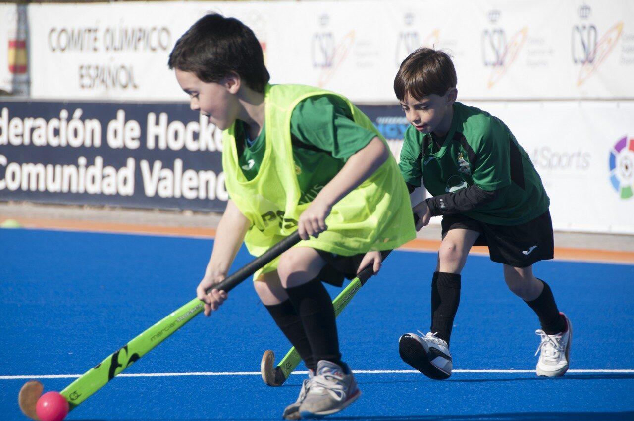 Més de 200 xiquetes i xiquets de València participen en les Escoles Esportives de Pasqua de 2021